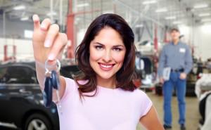 sleutels auto overhandigen na financiering met autolening